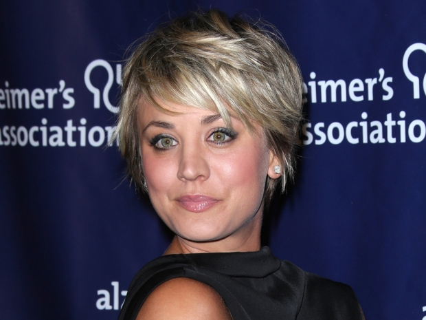 Kaley Cuoco with her blonde short hair