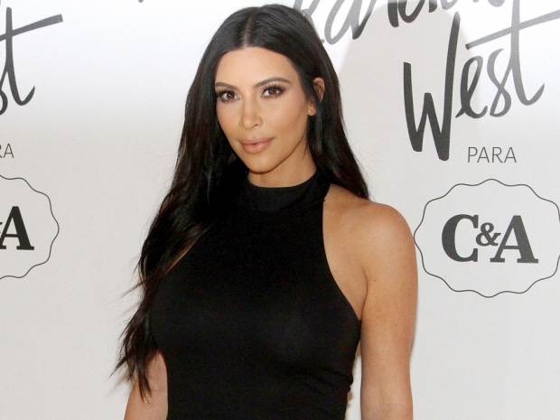 Kim Kardashian showing off her dark hair