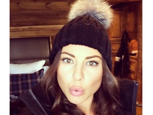 Louise Thompson Instagram selfie