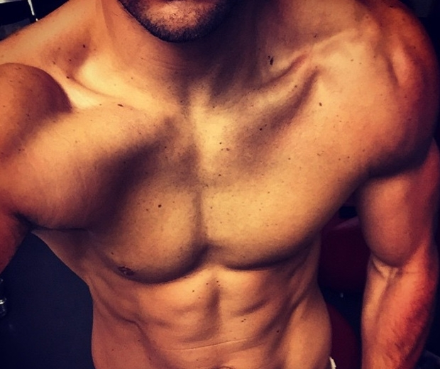 Mark Wright shows off his muscles in Instagram photo