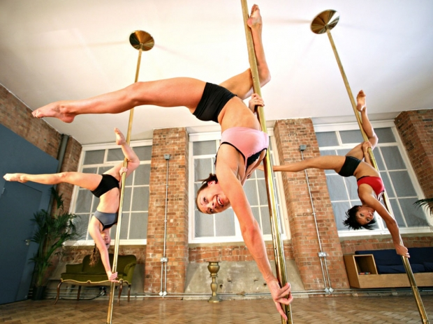 Train your core at pole fitness classes