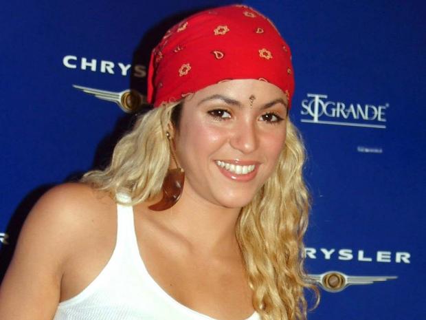 Shakira wearing a bandana