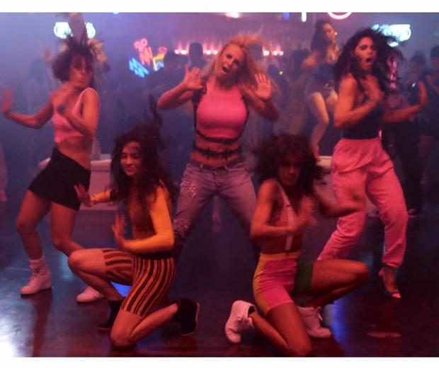 britney pretty girls video