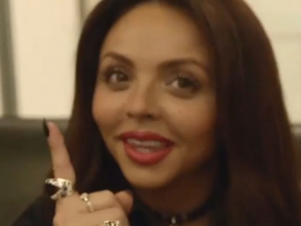 Jesy Nelson appears to cast a spell in Vine video