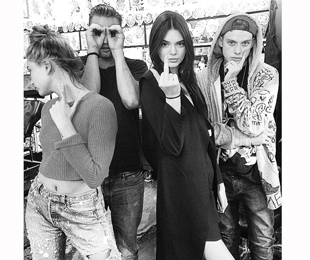 kendall jenner in tattoo parlour with hailey baldwin and boys