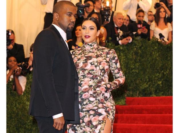 Kim Kardashian pregnant red carpet