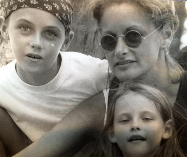 kristen stewart with mum jules and brother