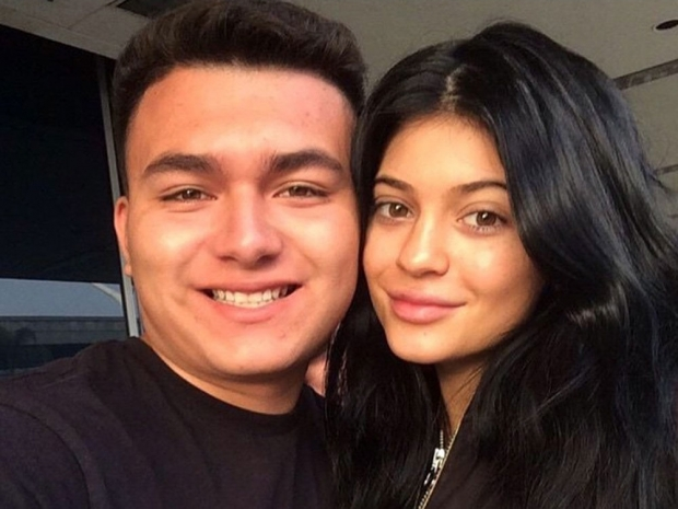 Kylie Jenner wearing no make-up in an Instagram selfie