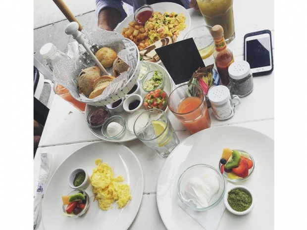 Louise Thompson's breakfast in Instagram photo