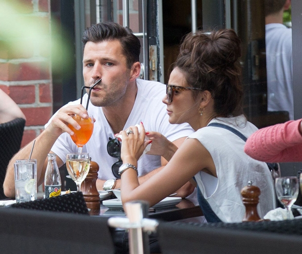 Michelle Keegan and mark wright eating in prezzo in cambridge