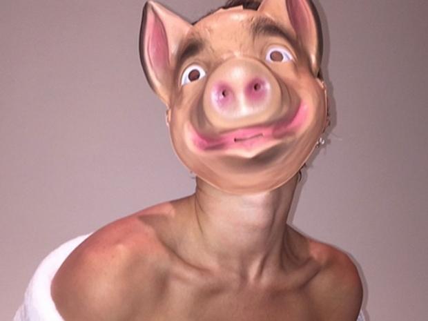 Miley Cyrus pig mask