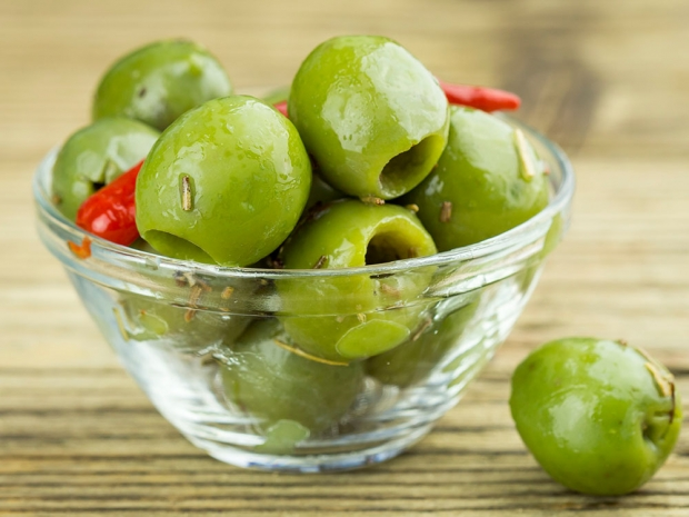 Olives in a glass bowl