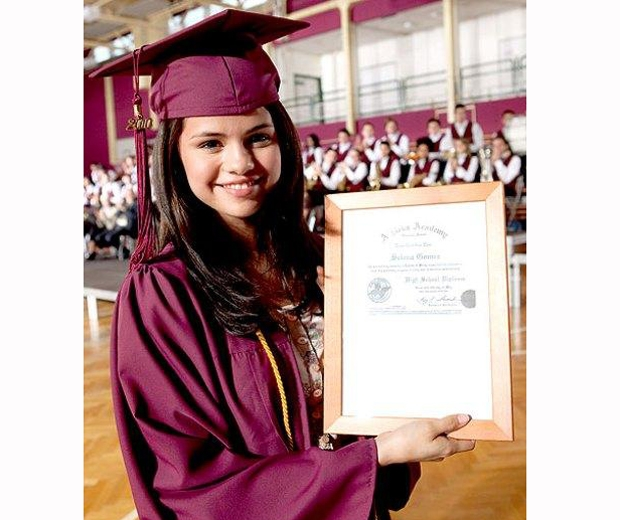 selena gomez in graduation gown