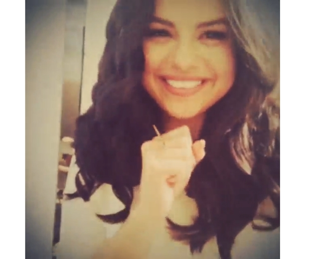 Selena looks too cute for words in her Insta vid