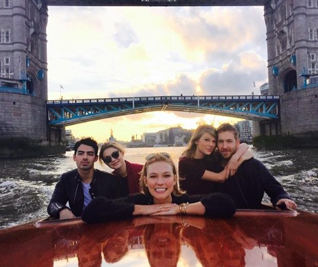 Taylor swift and Calvin harris in a boat with Gigi hadid, Joe jonas and Karlie