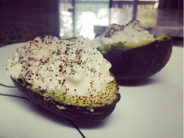 Healthy Snack Ideas: Avocado and Cottage Cheese