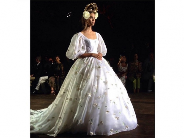 Dolce and Gabbana's bride from the Alta Moda AW15 show