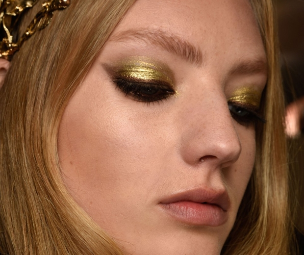 elie saab makeup at paris couture fashion week aw15-gold eyeshadow-look.co.uk