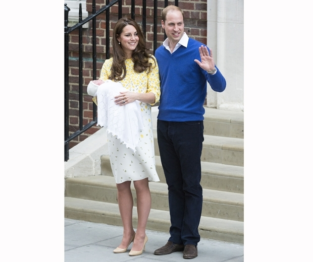 kate middleton and prince william showing off royal baby charlotte