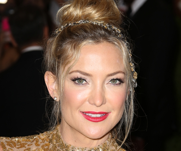 kate hudson flawless skin - look.co.uk