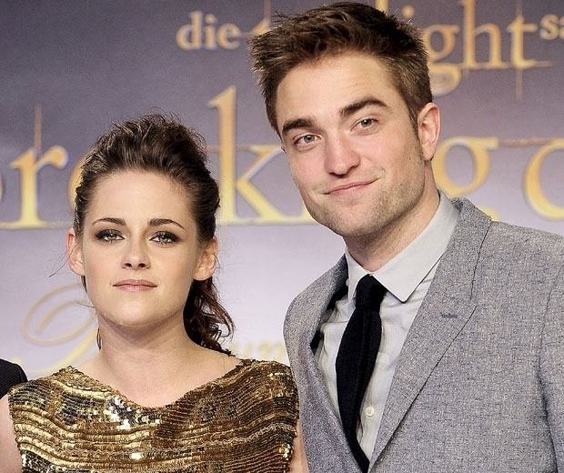 Robert Pattinson and Kristen Stewart at a Twilight event