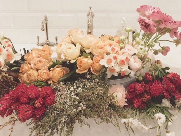 Lauren Conrad's sink full of flowers.