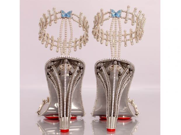 Diamond heels back