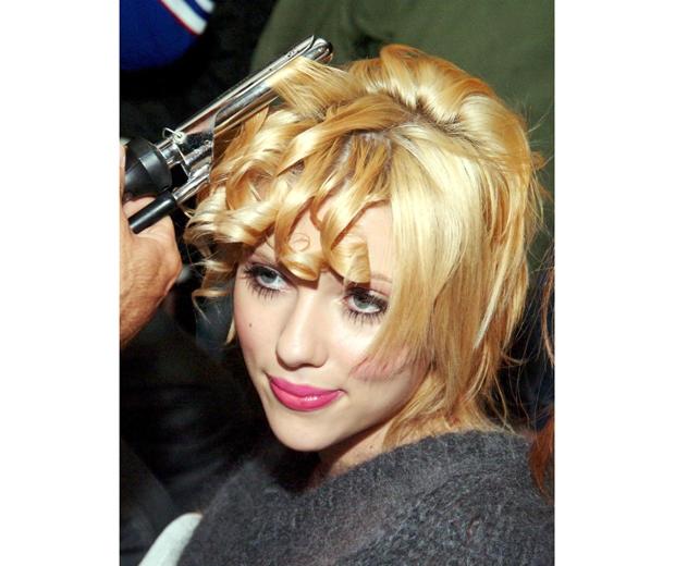 Scarlett johansson with curly hair