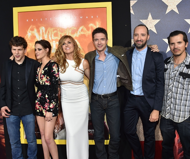 Kristen Stewart poses for photos with the entire American Ultra cast