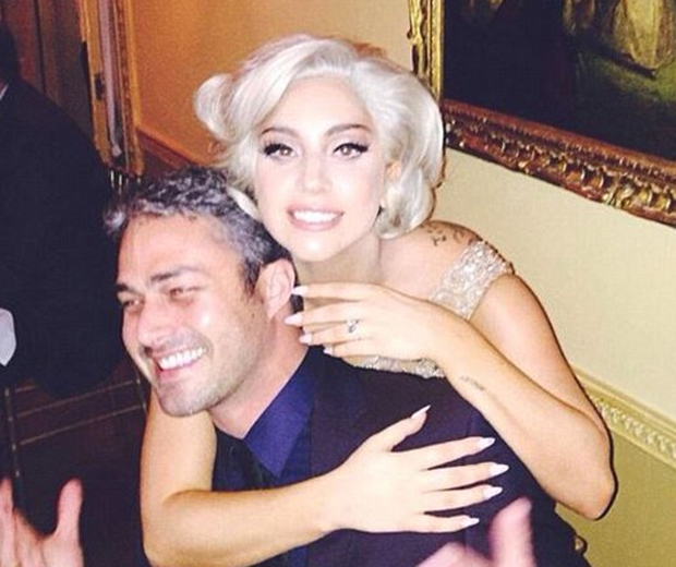 lady gaga and taylor kinney engaged