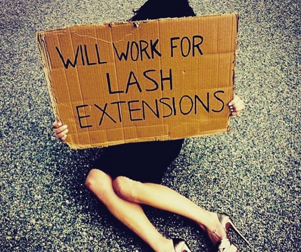 What You Need To Know About Glass Extensions: Eyelash Extensions: The Low Down