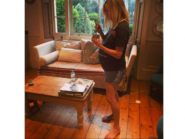 Fearne Cotton shows off her baby bump