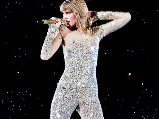 Taylor Swift performs on her 1989 tour