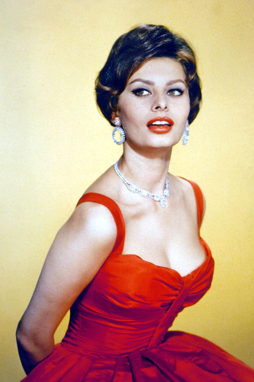 Sophia Loren's Most Glamorous Style Moments Ever!