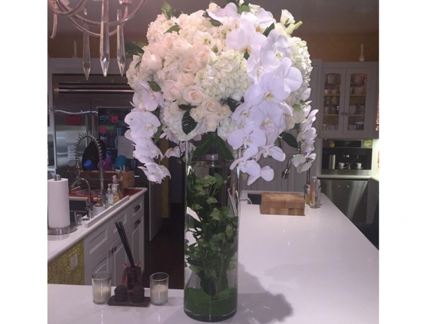 Flowers from Kylie Jenner to Jessica Alba