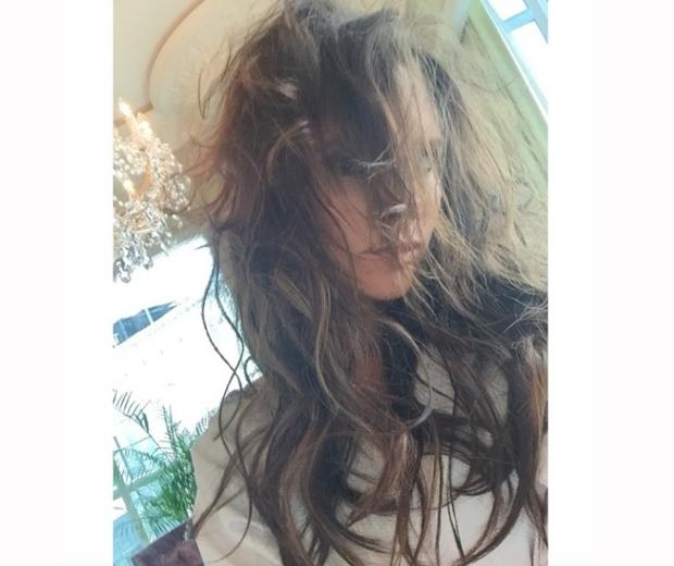 victoria beckham frizzy hair