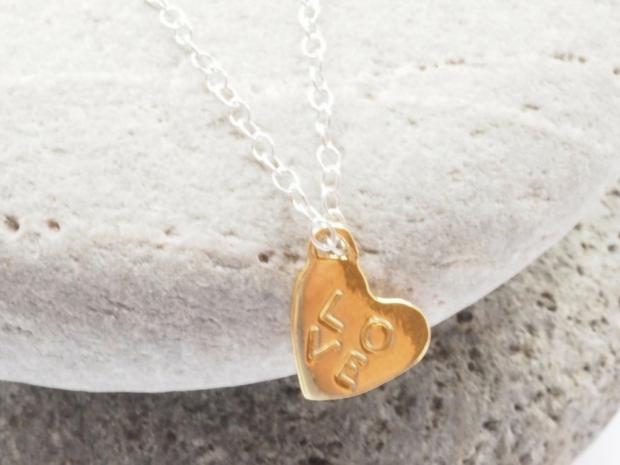 Daisy Knight's pendant