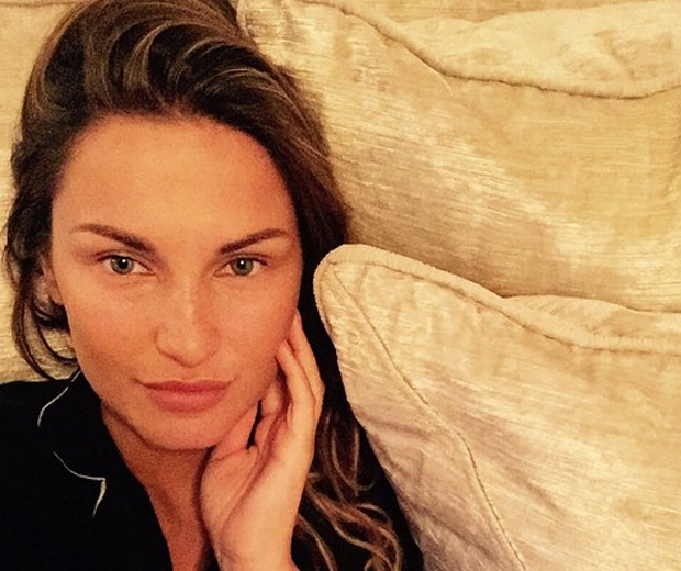 Sam Faiers with no makeup on
