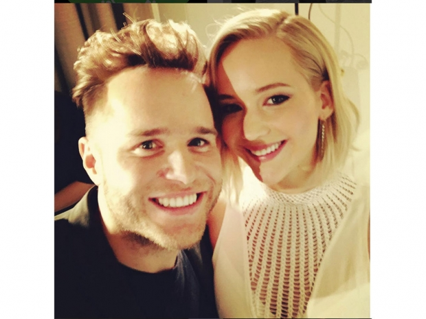 Olly Murs gets his selfie moment with Jennifer