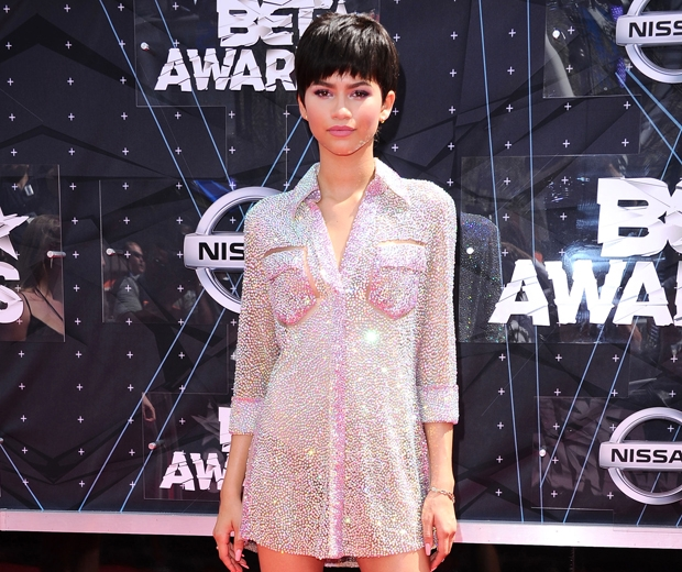 zendaya in a sequin shirt dress with a fringed bob wig