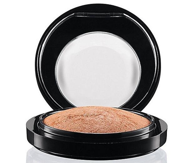 MAC Cosmetics Mineralize Skinfinish in Global Glow, £24