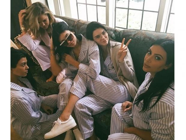Kardashian/Jenners matching pyjamas