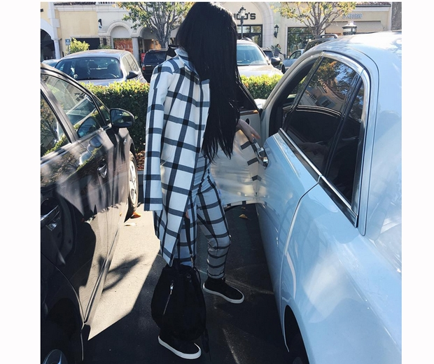 kylie jenner check coat
