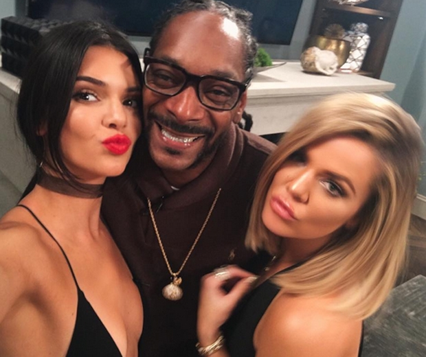 khloe kendall partying with snoop dog