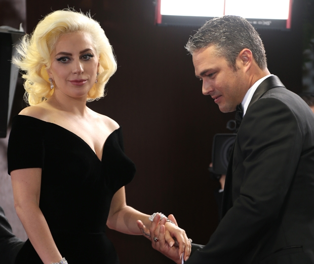 lady gaga and taylor kinney golden globes