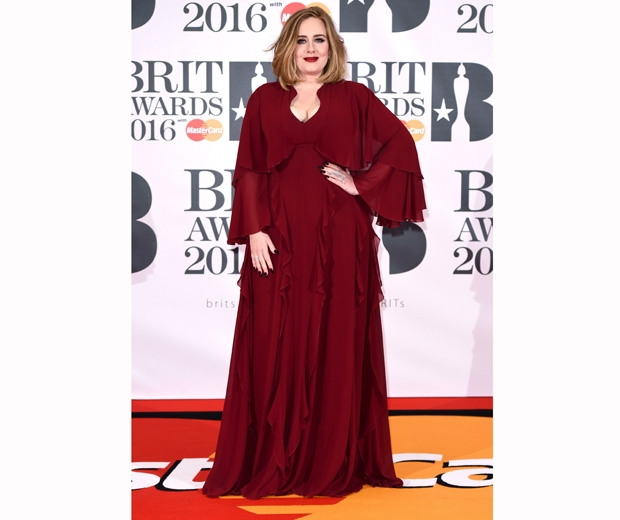 Adele looked gorgeous in a dark red ruffle dress at the 2016 BRITs...