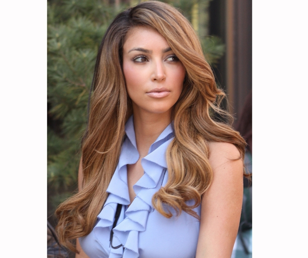 Kim kardashian gets her balayage on and we love it look back in 2009 it was all about highlighted honey hair for kim kardashian pmusecretfo Choice Image