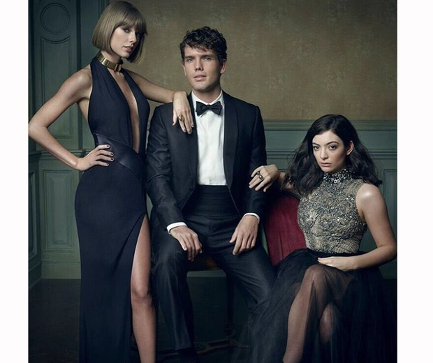 taylor swift and her brother and lorde at the vanity fair oscars party