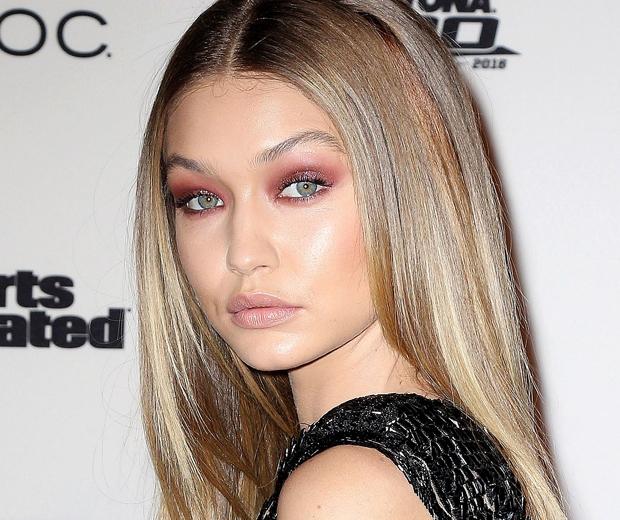 Gigi Hadid red eye makeup