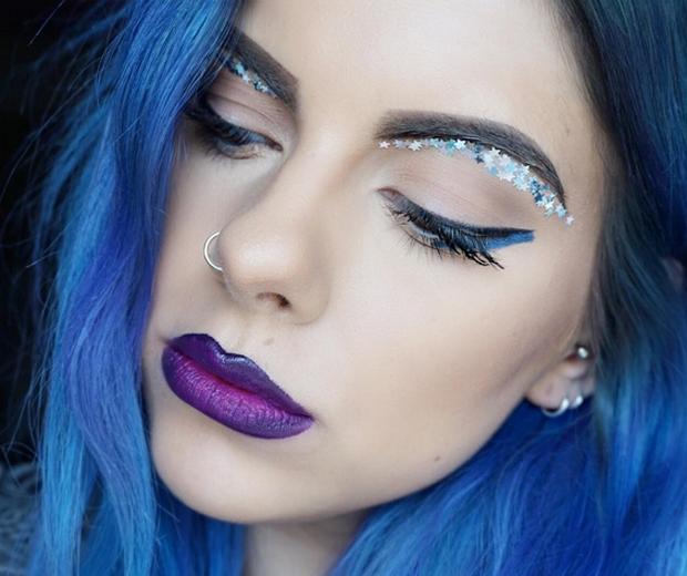 Glitter underbrow trend